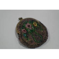 Monedero de perlitas de colores