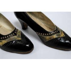 Antiguos zapatos de piel