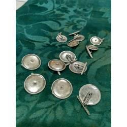 Botones de plata vieja con pasador. 1.5 cm.