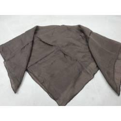Pañuelo marrón de seda...
