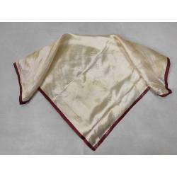 Pañuelo antiguo adamascado