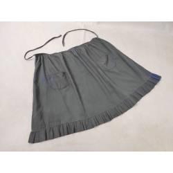 Antiguo delantal gris azulado