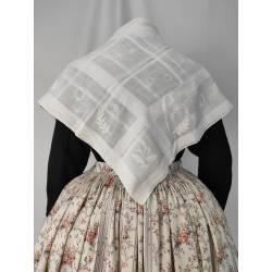 Antiguo pañuelo blanco bordado