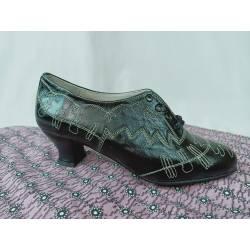 Zapatos de piel con pespuntes