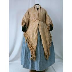 Antiguo mantón de lana