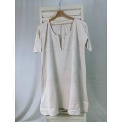 Antigua camisa de cáñamo